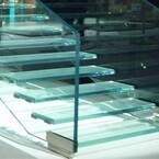 Стъклени стълби